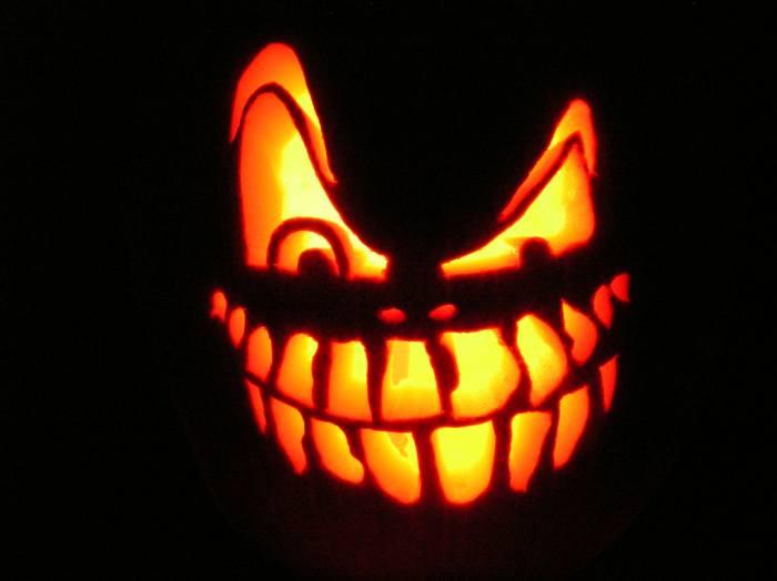 halloween_zambet_macabru_ochi_noapte_neagra_dovleac_andrei.jpg
